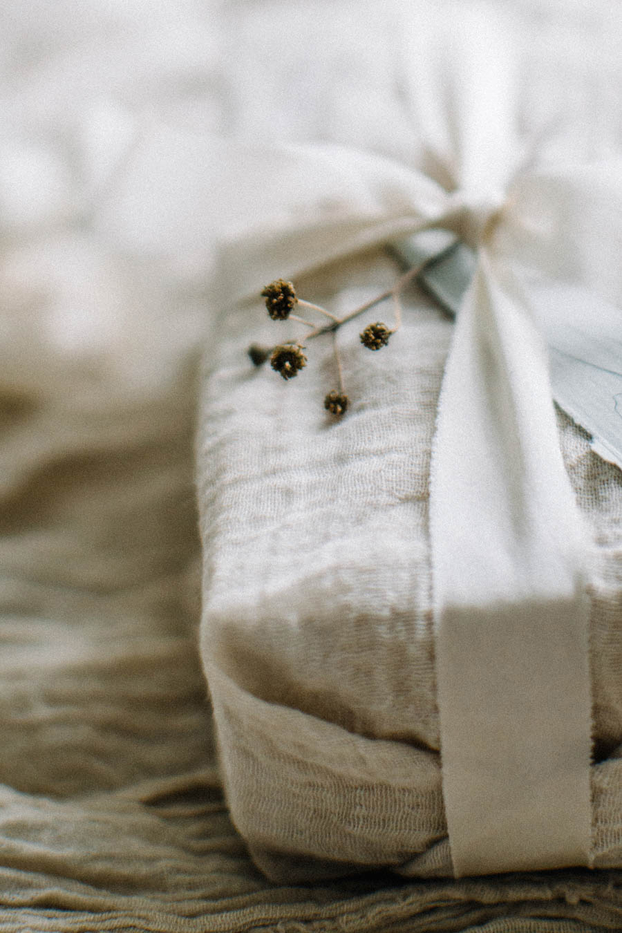 Organic gift wrapping and calligraphy tags (15).jpg