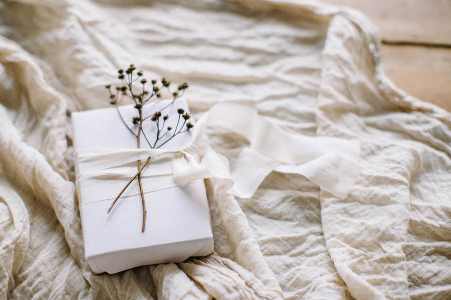 Organic gift wrapping and calligraphy tags (24).jpg