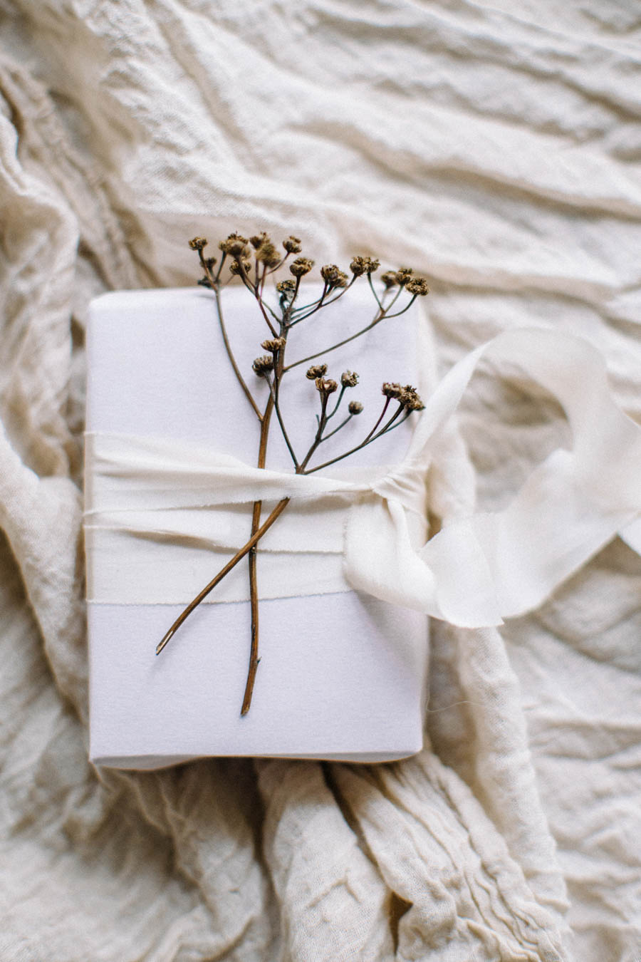 Organic gift wrapping and calligraphy tags (23).jpg