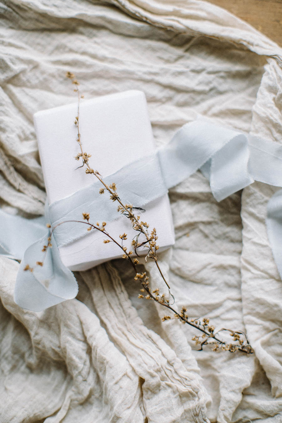 Organic gift wrapping and calligraphy tags (26).jpg