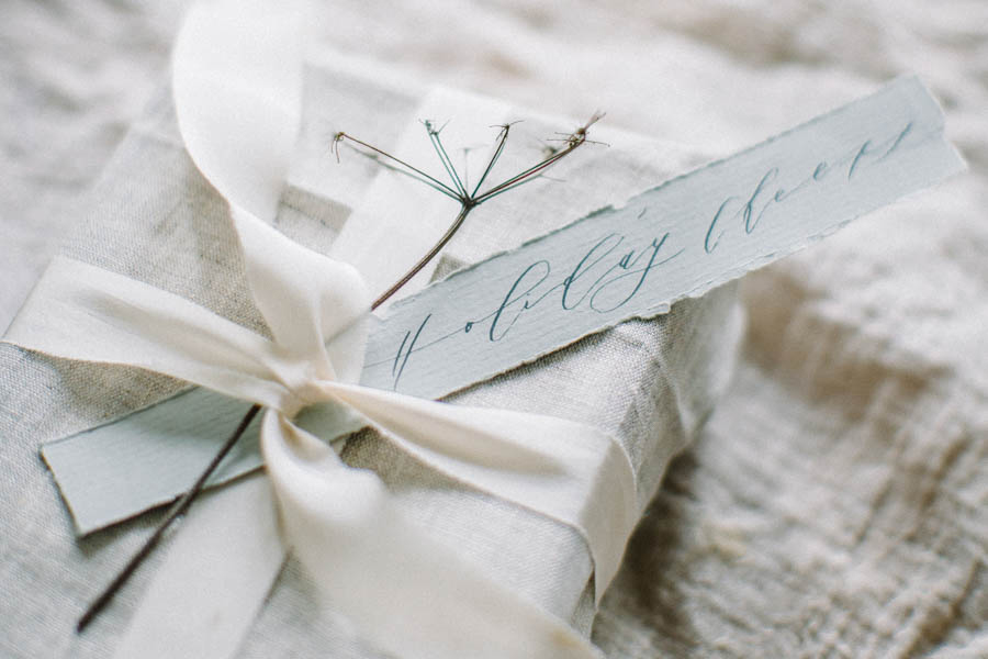 Organic gift wrapping and calligraphy tags (33).jpg