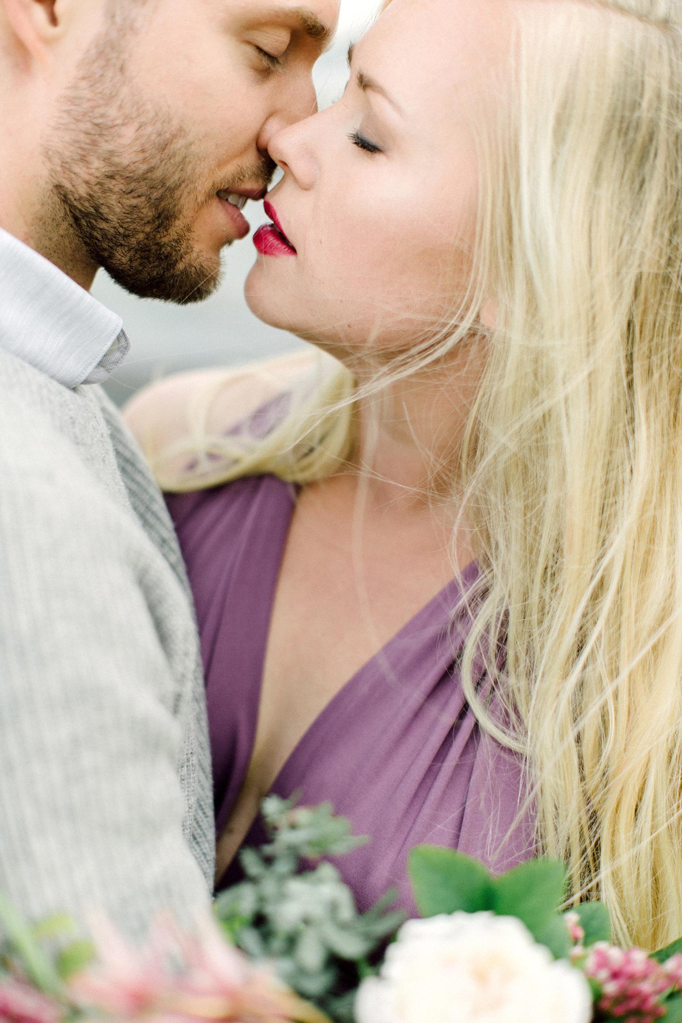 Sari & Mikko - Beach Engagement Couple Shoot in Hanko kihlakuvaus parikuvaus - Susanna Nordvall - Hey Look (4).jpg