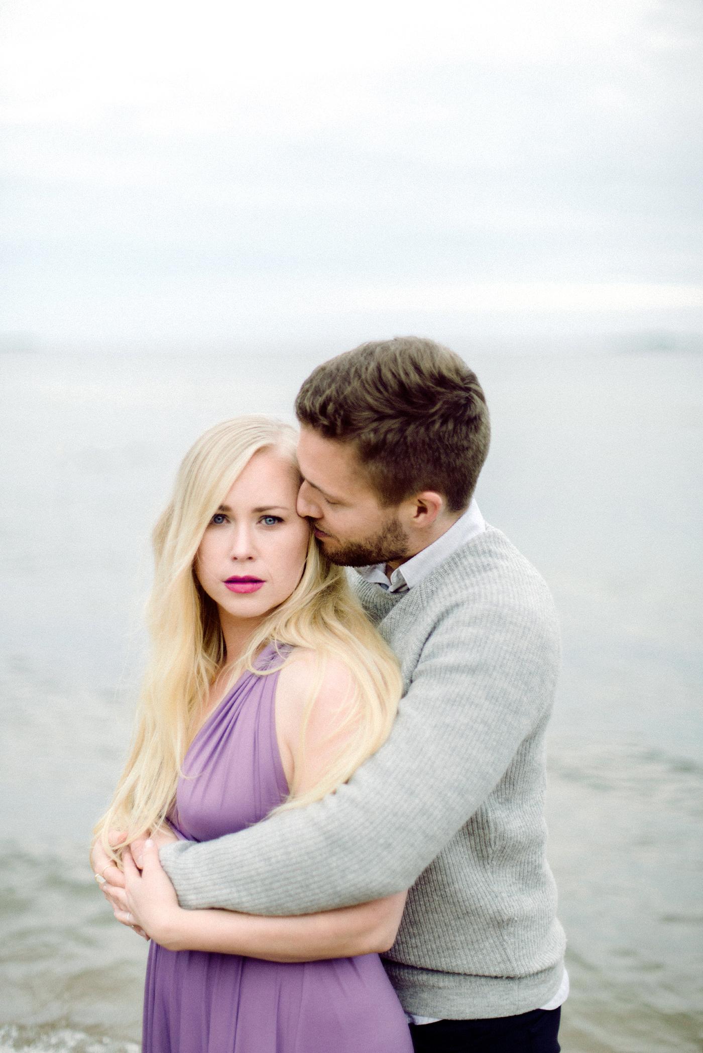 Sari & Mikko - Beach Engagement Couple Shoot in Hanko kihlakuvaus parikuvaus - Susanna Nordvall - Hey Look (14).jpg