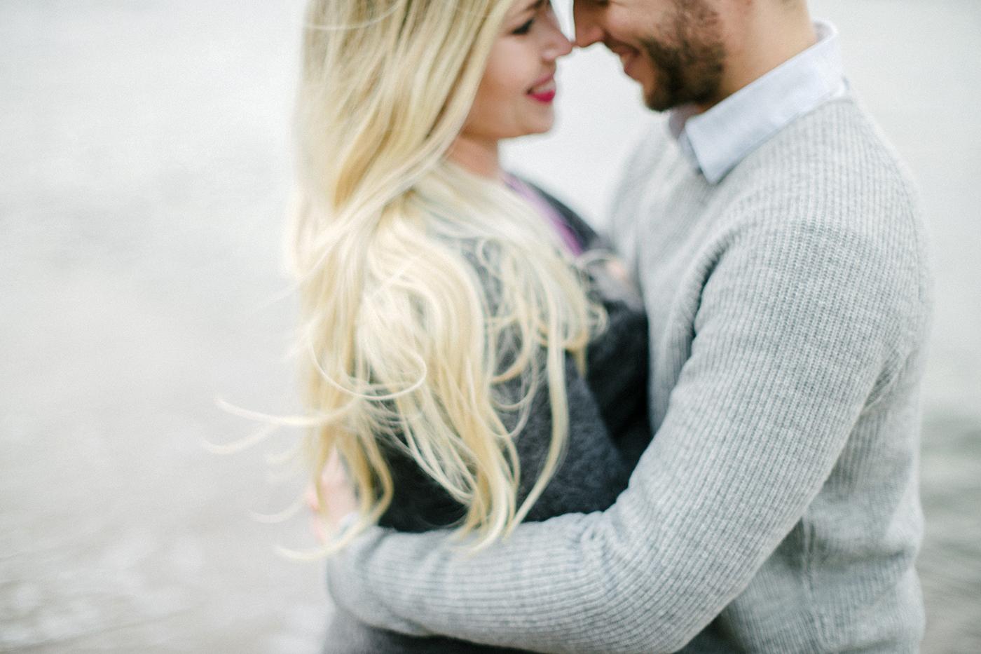 Sari & Mikko - Beach Engagement Couple Shoot in Hanko kihlakuvaus parikuvaus - Susanna Nordvall - Hey Look (18).jpg