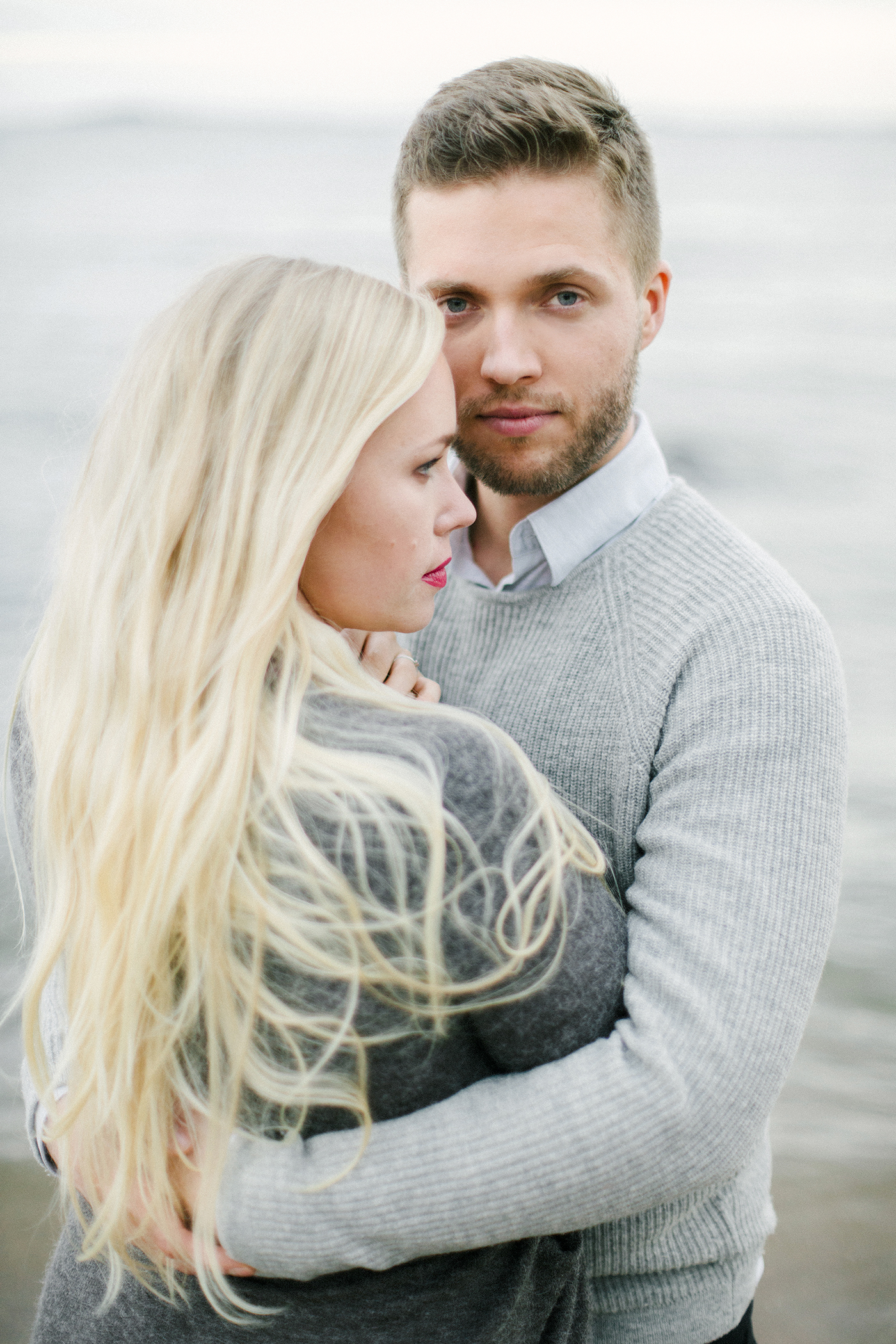 Sari & Mikko - Beach Engagement Couple Shoot in Hanko kihlakuvaus parikuvaus - Susanna Nordvall - Hey Look (19).jpg