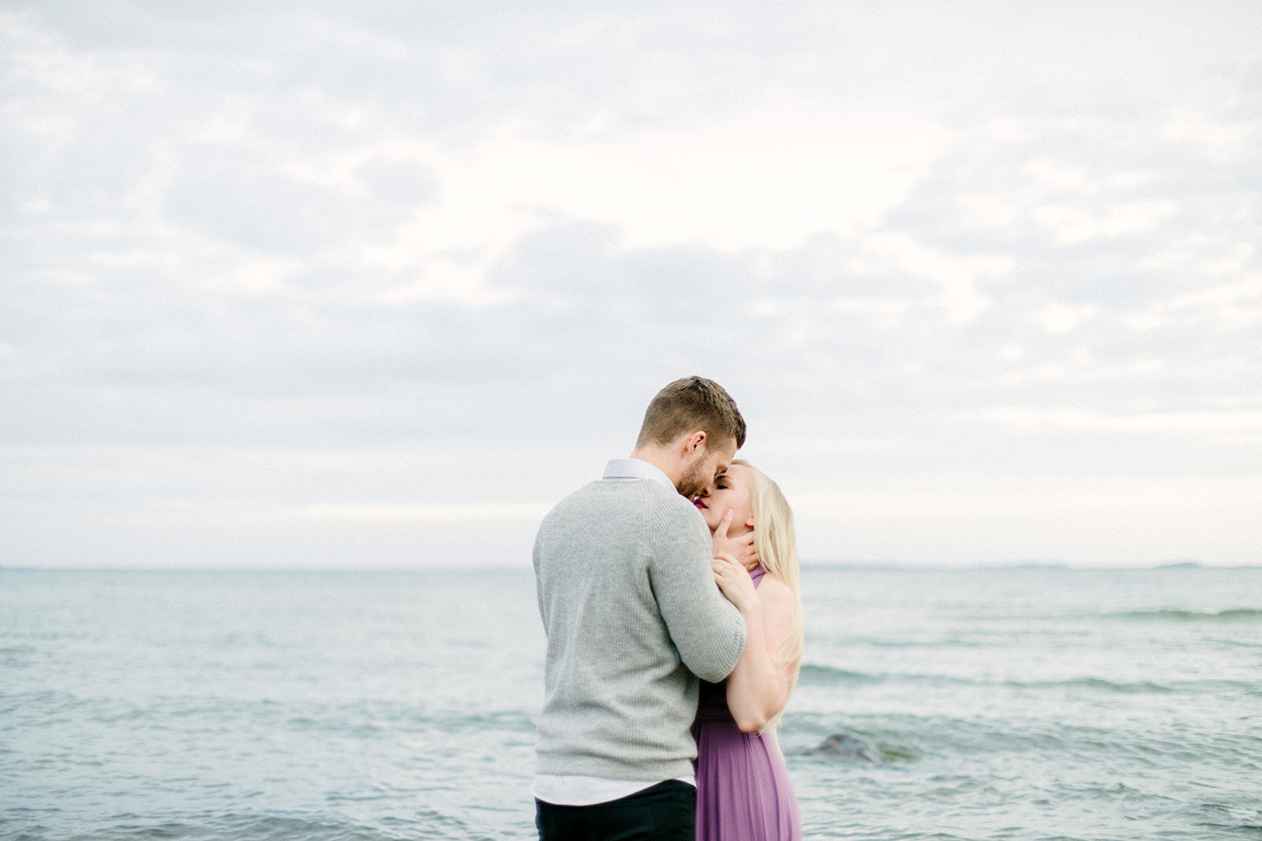 Sari & Mikko - Beach Engagement Couple Shoot in Hanko kihlakuvaus parikuvaus - Susanna Nordvall - Hey Look (22).jpg