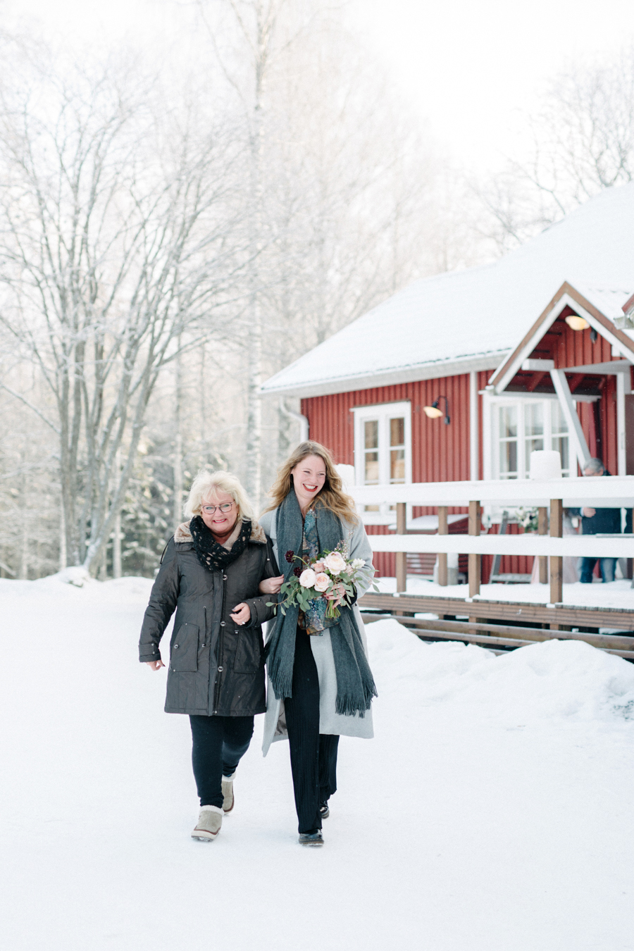 Romany and Juho's surprise winter wedding at Evon Luonto, talvihäät (17).jpg