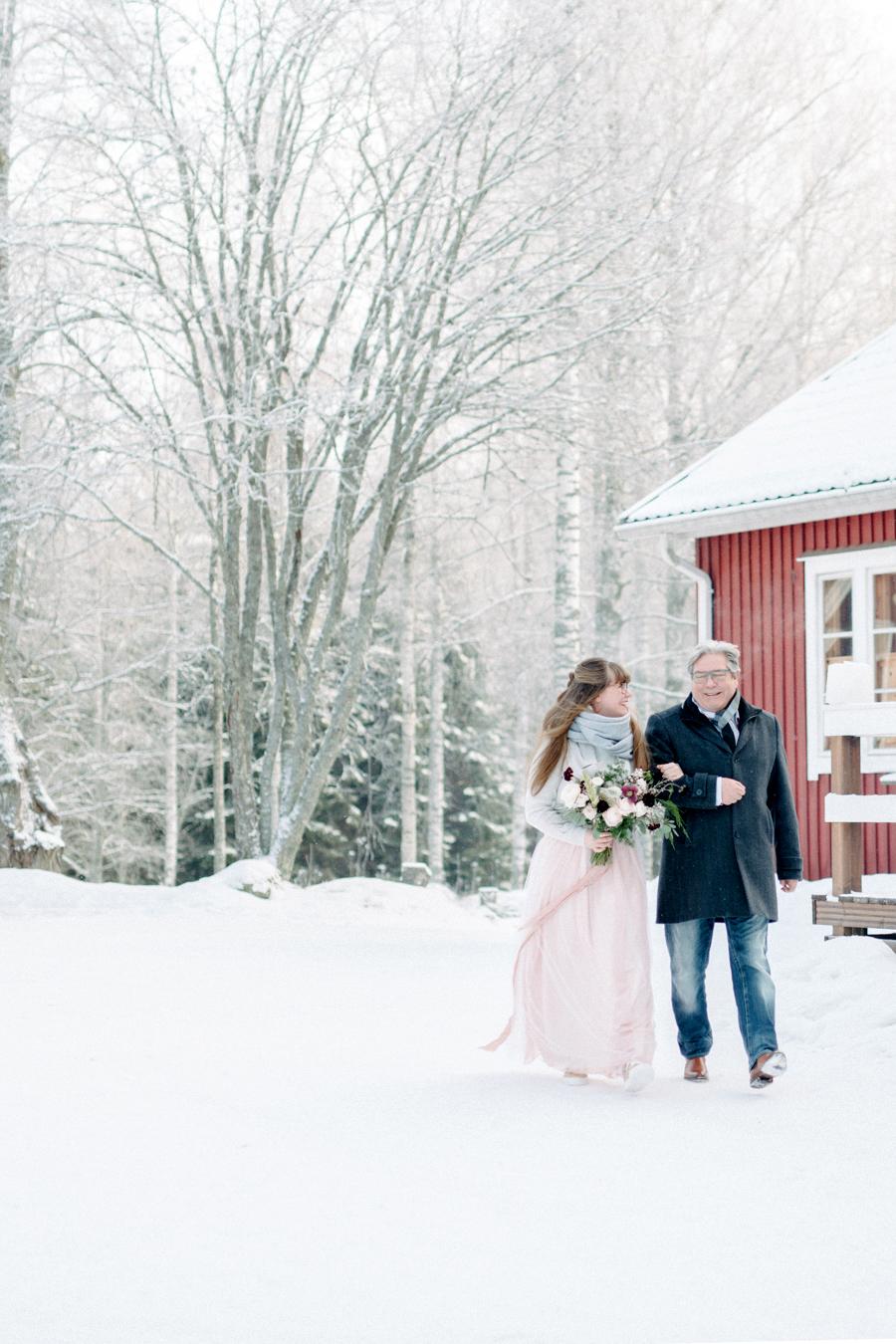 Romany and Juho's surprise winter wedding at Evon Luonto, talvihäät (18).jpg