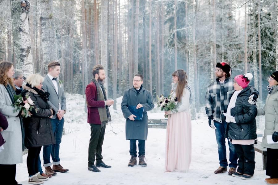 Romany and Juho's surprise winter wedding at Evon Luonto, talvihäät (23).jpg