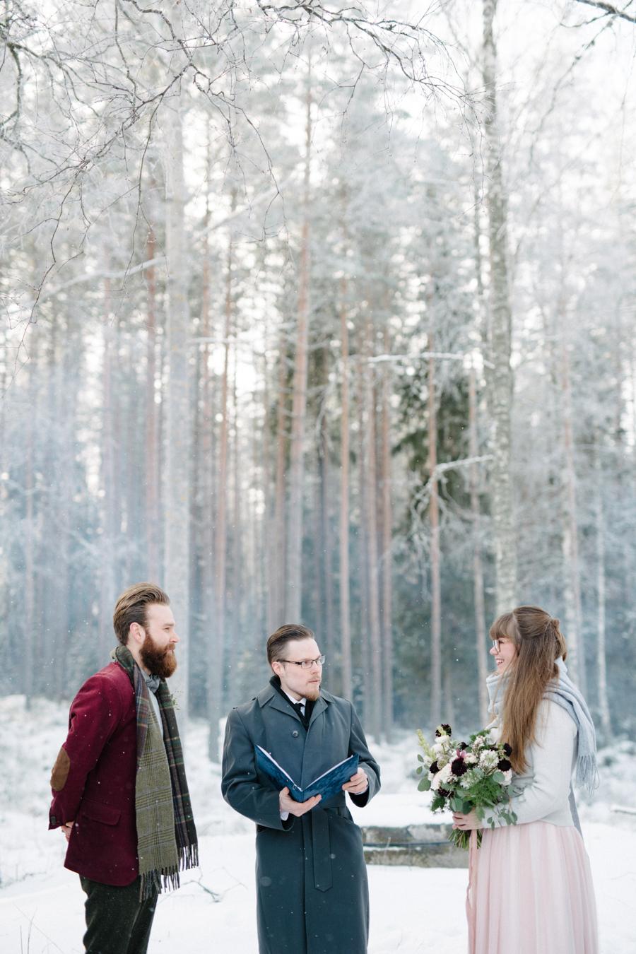 Romany and Juho's surprise winter wedding at Evon Luonto, talvihäät (24).jpg