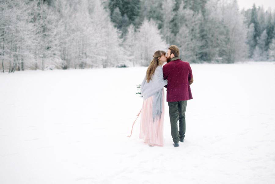 Romany and Juho's surprise winter wedding at Evon Luonto, talvihäät (41).jpg