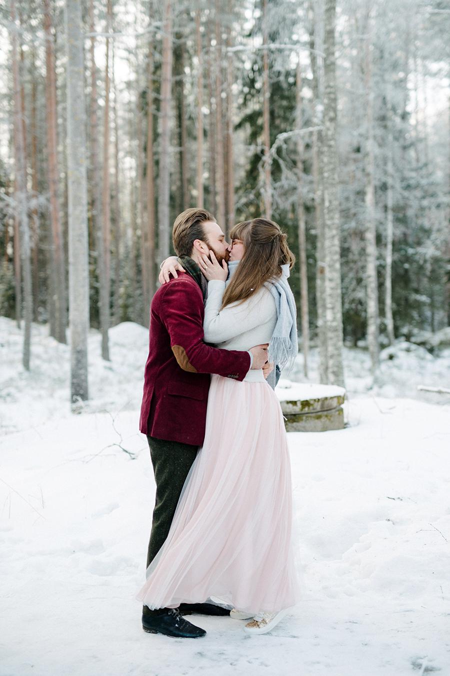 Romany & Juho's Surprise Winter Wedding at Evon Luonto