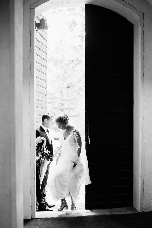 Anni&Karri's Seaside wedding at Ruissalon Telakka, Veneveistämö, Turku Hääkuvaus (23).jpg