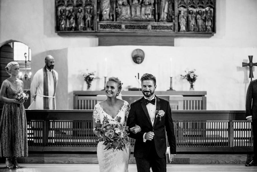 Anni&Karri's Seaside wedding at Ruissalon Telakka, Veneveistämö, Turku Hääkuvaus (38).jpg