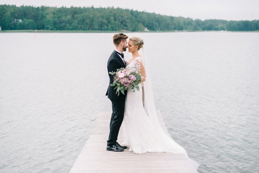 Anni&Karri's Seaside wedding at Ruissalon Telakka, Veneveistämö, Turku Hääkuvaus (47).jpg