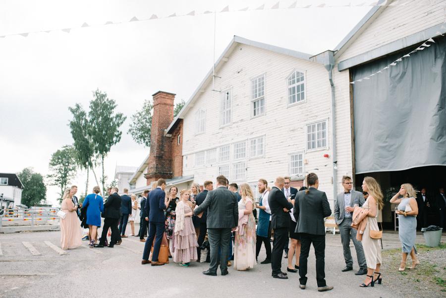 Anni&Karri's Seaside wedding at Ruissalon Telakka, Veneveistämö, Turku Hääkuvaus (91).jpg