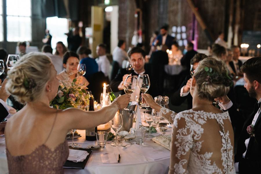 Anni&Karri's Seaside wedding at Ruissalon Telakka, Veneveistämö, Turku Hääkuvaus (181).jpg