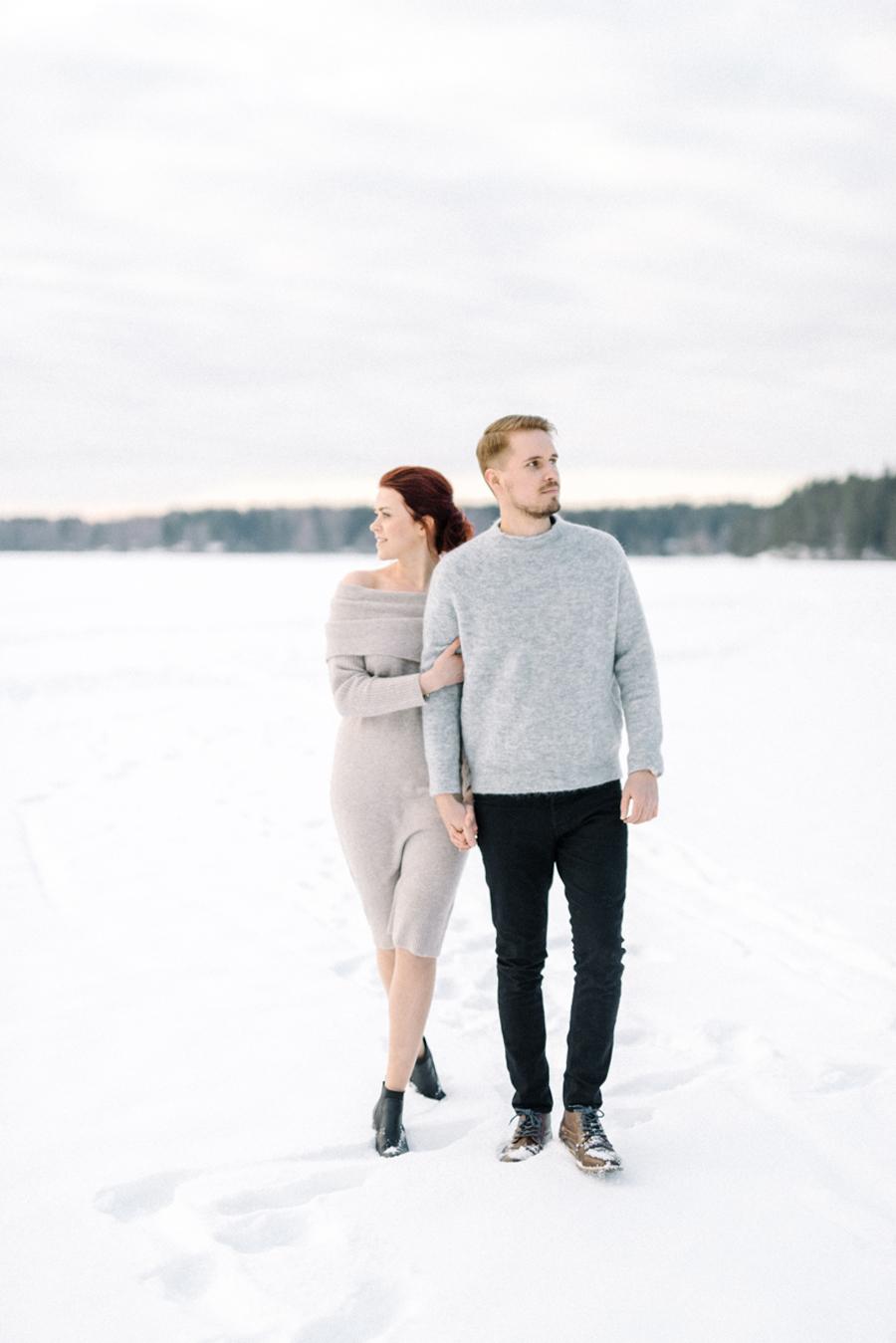 Johanna & Toni's Snowy Couple Shoot in Nuuksio, parikuvaus Helsinki Espoo (6).jpg