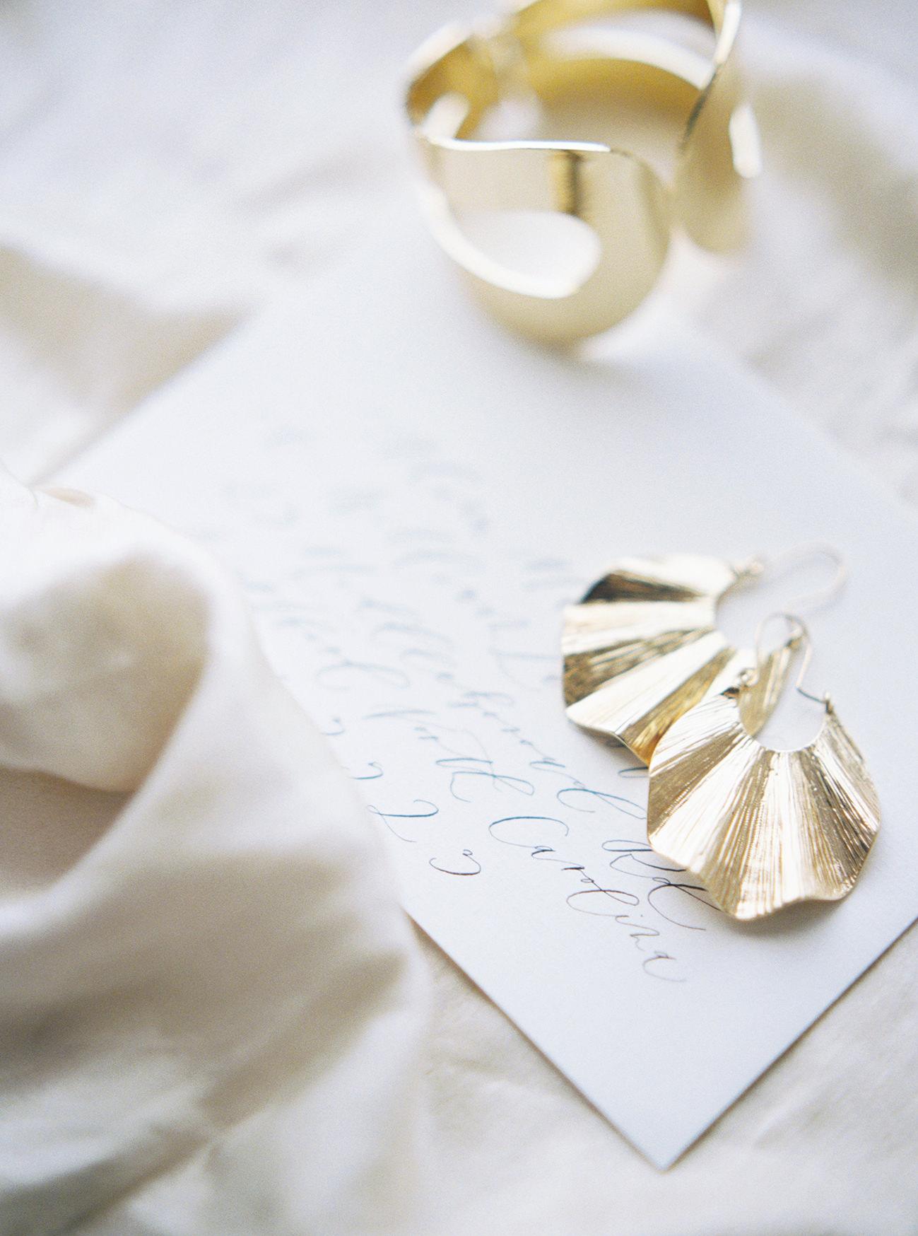 Bridal Inspiration, Wedding Bouquet, Hääkuvaus, Film Wedding Photographer, Table Setting Inspiration, Stationery, Dried Flowers, www.nordandmae.com, www.susannanordvall (14).jpg