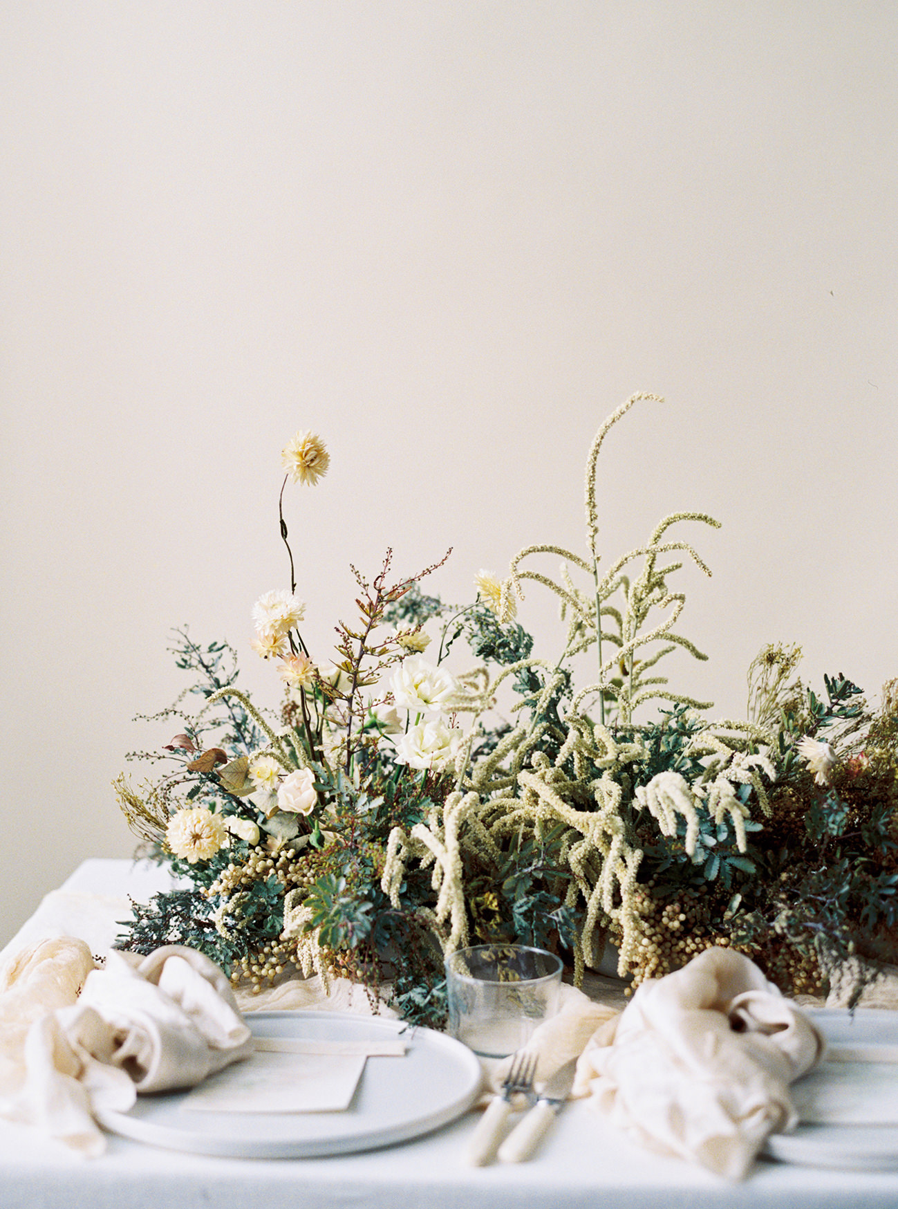 Bridal Inspiration, Wedding Bouquet, Hääkuvaus, Film Wedding Photographer, Table Setting Inspiration, Stationery, Dried Flowers, www.nordandmae.com, www.susannanordvall (17).jpg
