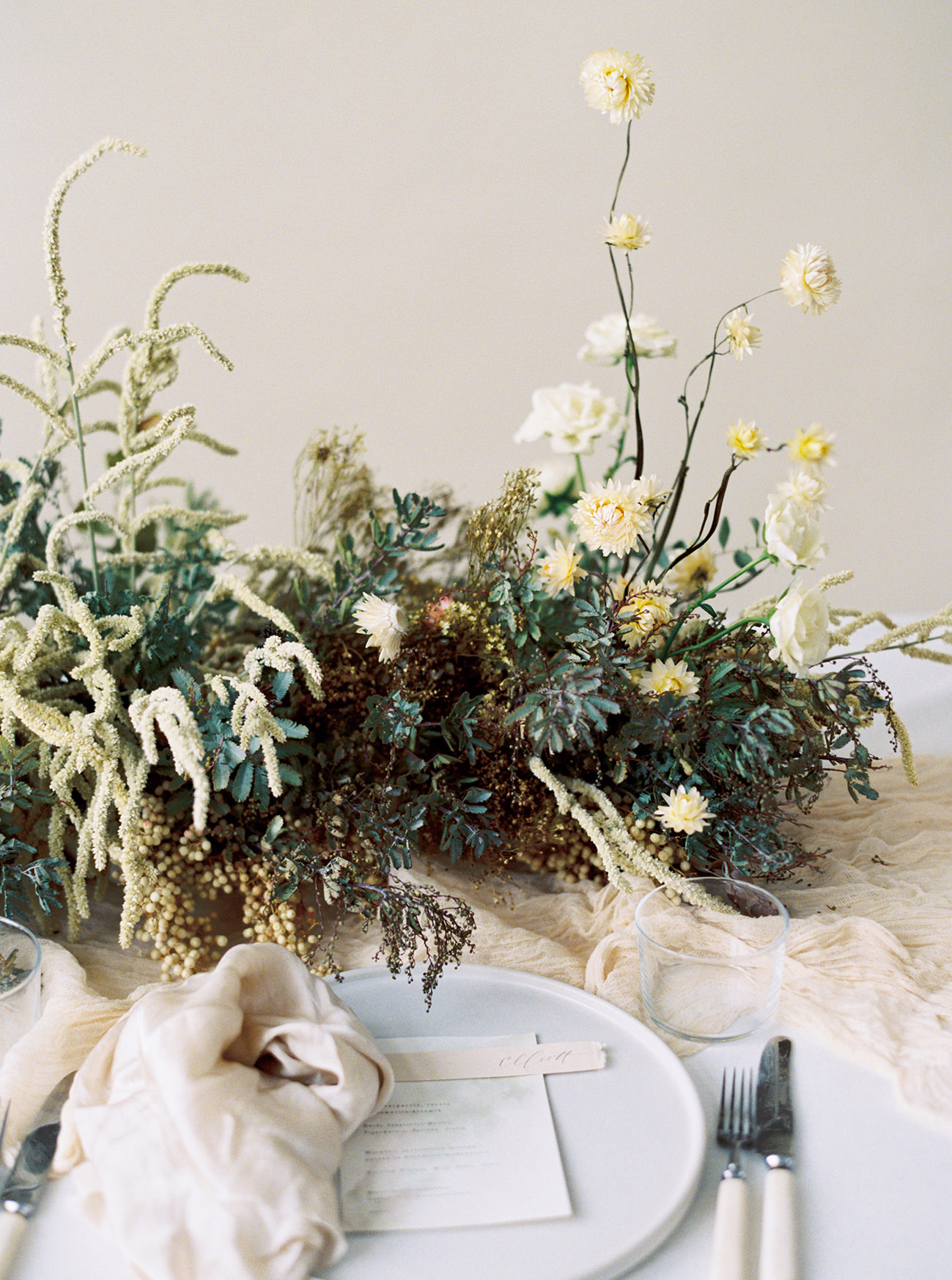 Bridal Inspiration, Wedding Bouquet, Hääkuvaus, Film Wedding Photographer, Table Setting Inspiration, Stationery, Dried Flowers, www.nordandmae.com, www.susannanordvall (18).jpg