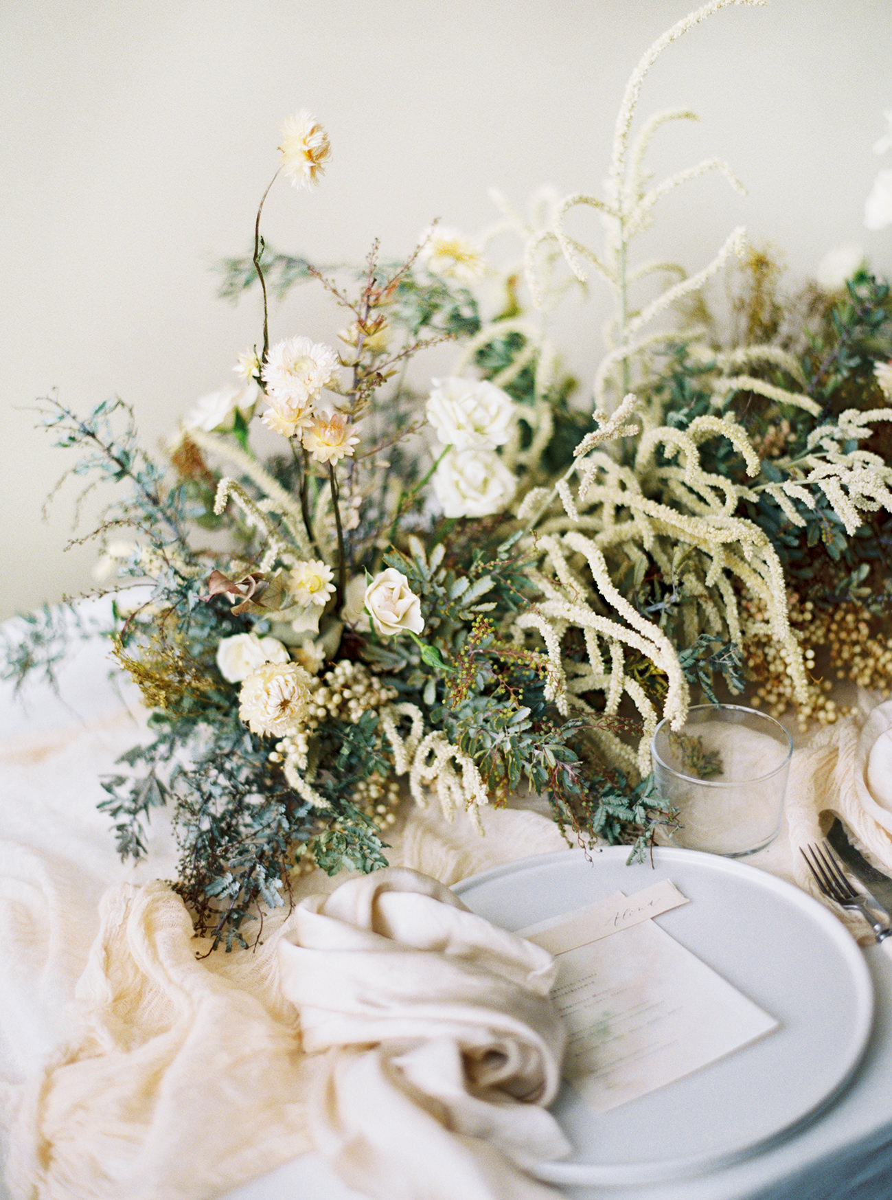 Bridal Inspiration, Wedding Bouquet, Hääkuvaus, Film Wedding Photographer, Table Setting Inspiration, Stationery, Dried Flowers, www.nordandmae.com, www.susannanordvall (19).jpg