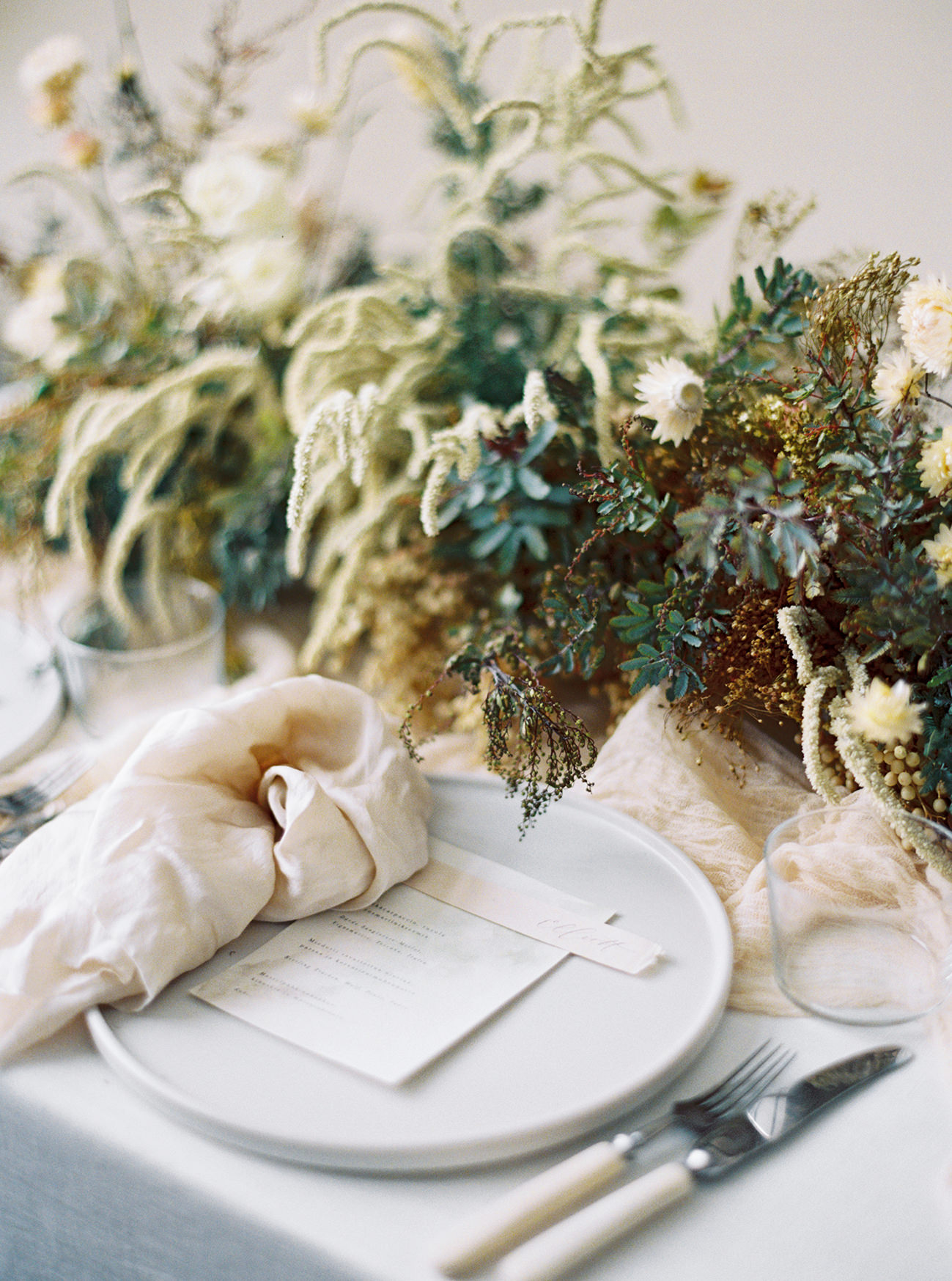 Bridal Inspiration, Wedding Bouquet, Hääkuvaus, Film Wedding Photographer, Table Setting Inspiration, Stationery, Dried Flowers, www.nordandmae.com, www.susannanordvall (21).jpg