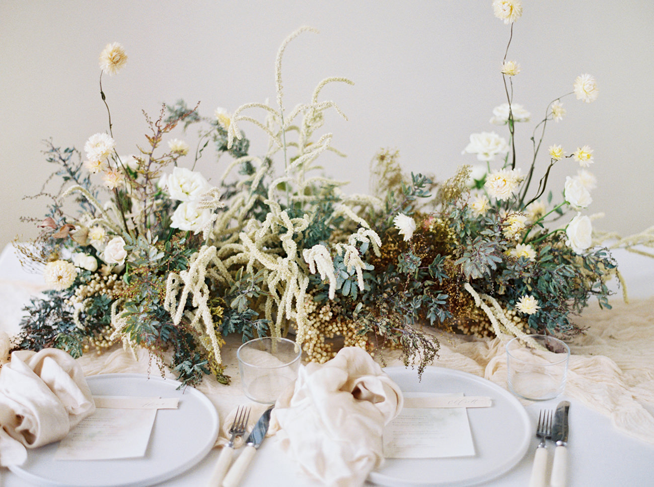 Bridal Inspiration, Wedding Bouquet, Hääkuvaus, Film Wedding Photographer, Table Setting Inspiration, Stationery, Dried Flowers, www.nordandmae.com, www.susannanordvall (34).jpg