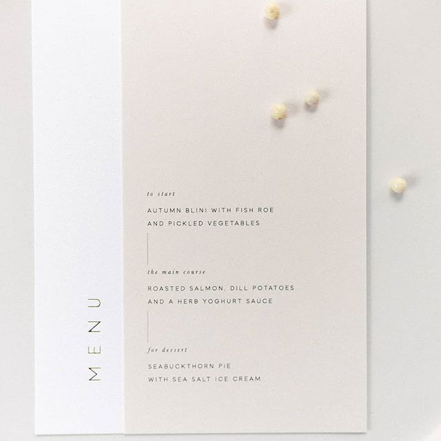 Simple, minimalistic and so elegant. I'm loving this wedding menu design made by @nordandmae. . . . . . #häät #häät2019 #häät2020 #häät2021 #hää #hääkuvaajat #hääkuvaus #naisyrittäjät #valokuvaajanaiset #hääyrittäjät #nordandmae #nordicweddings #tablesetting #stationery #stationeryaddict #weddingstationery #menu #weddingmenu #stylemepretty #fiskars #thatsdarling #pursuepretty #itsinthedetails #minimalistic #minimalisticdesign #papersuite #destinationwedding #nordiskebryllup