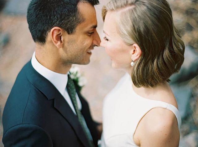It's a beautiful day for a wedding! Remember to follow my day on my stories.  Here's another image taken in Suomenlinna, loved these two. 😍 . . . . . #häät #häät2019 #häät2020 #häät2021 #hää #hääkuvaajat #hääkuvaus #naisyrittäjät #valokuvaajanaiset #hääyrittäjät #Suomenlinna #thatsdarling #justmarried #destinationwedding #nordicweddings #nordiskebryllup #scandinavianwedding #weddingphotographer #weddinginspiration #photovision #filmisnotdead #shotonfilm #contax645 #portra400 #thisisfinland #weddinginfinland #finnishfilmphotographer #weddingcouple #happycouple