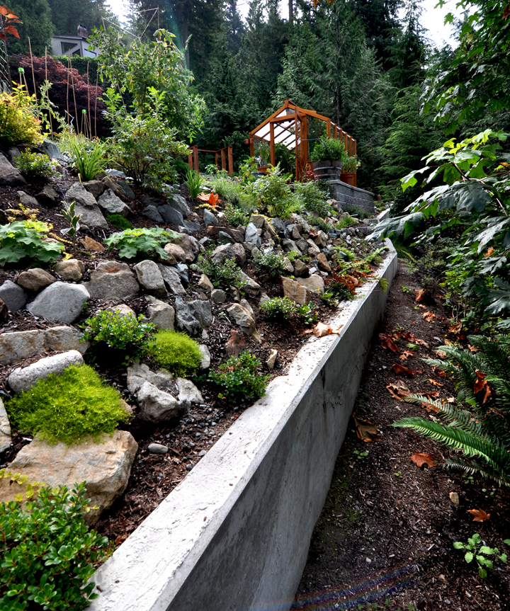 Poured concrete retaining wall in Lions Bay, BC.