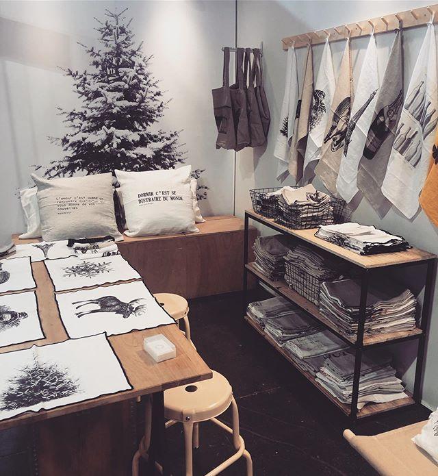 Retrouvez nous au salon Maison&objet du 06 au 10 septembre hall 4 stand E55 !!! ✌️✌️#maisonetobjet#septembre#interiordesign#lingedemaison#linen#lin#winter#hiver#noel#christmas#gift#ideas#kitchen#cuisine#cadeaux