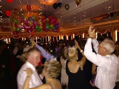 2015_winter_holidays_dance_party_qqs.jpg