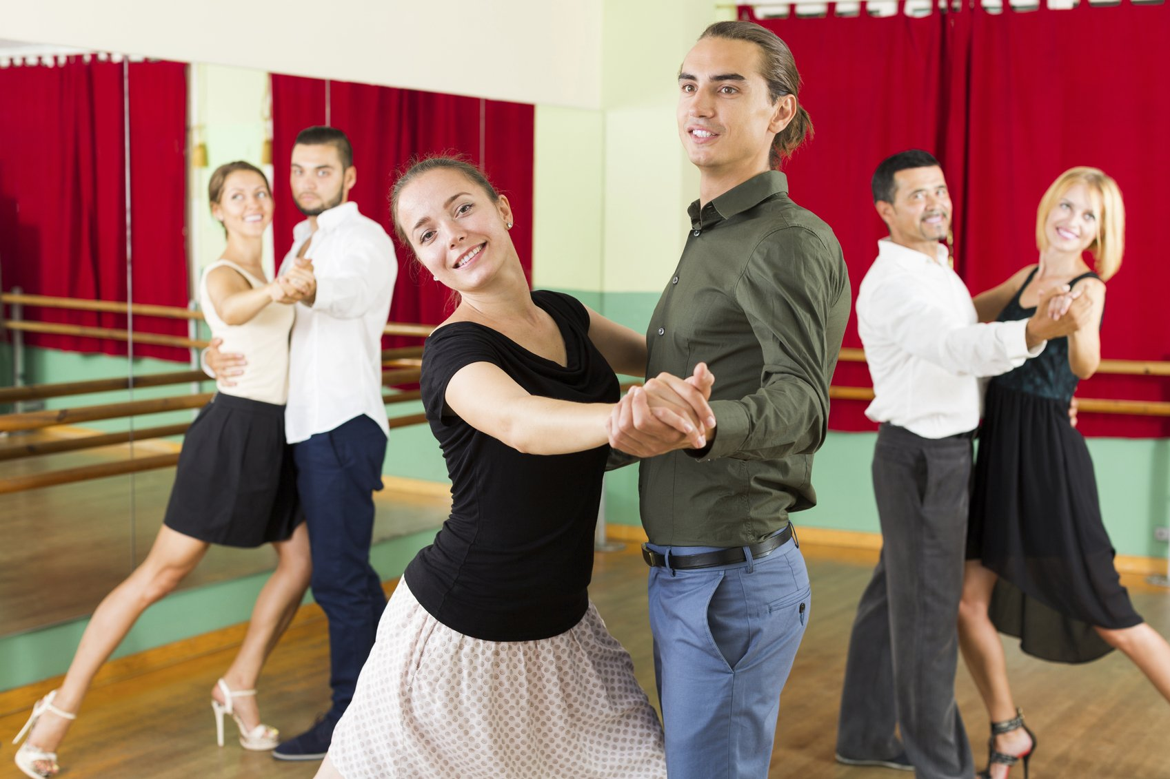 Couples dance lessons are a great way to hone your skills, but are private or group lessons right for you?