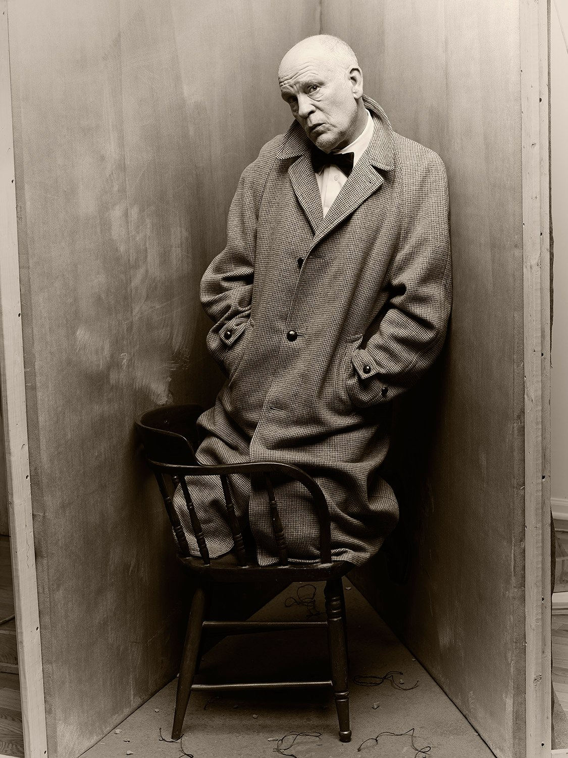the-series-began-two-years-ago-when-sandro-came-up-with-the-idea-to-pay-homage-to-his-hero-irving-penn-by-recreating-one-of-his-iconic-images-a-photograph-of-the-author-truman-capote-kneeling-on-a-chair-wedged-in-a-corner-created-in-penns-studio-he-r.jpg