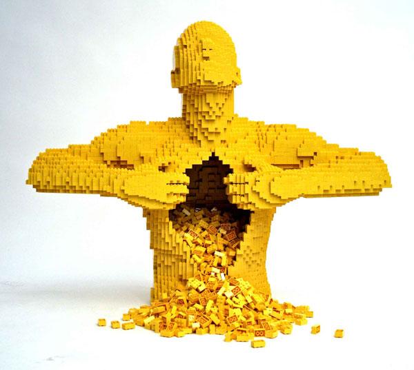 :Sculpture: Lego Man By Nathan Sawaya