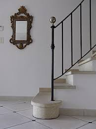 This Tread is a timeless elegant one, in natural stone.