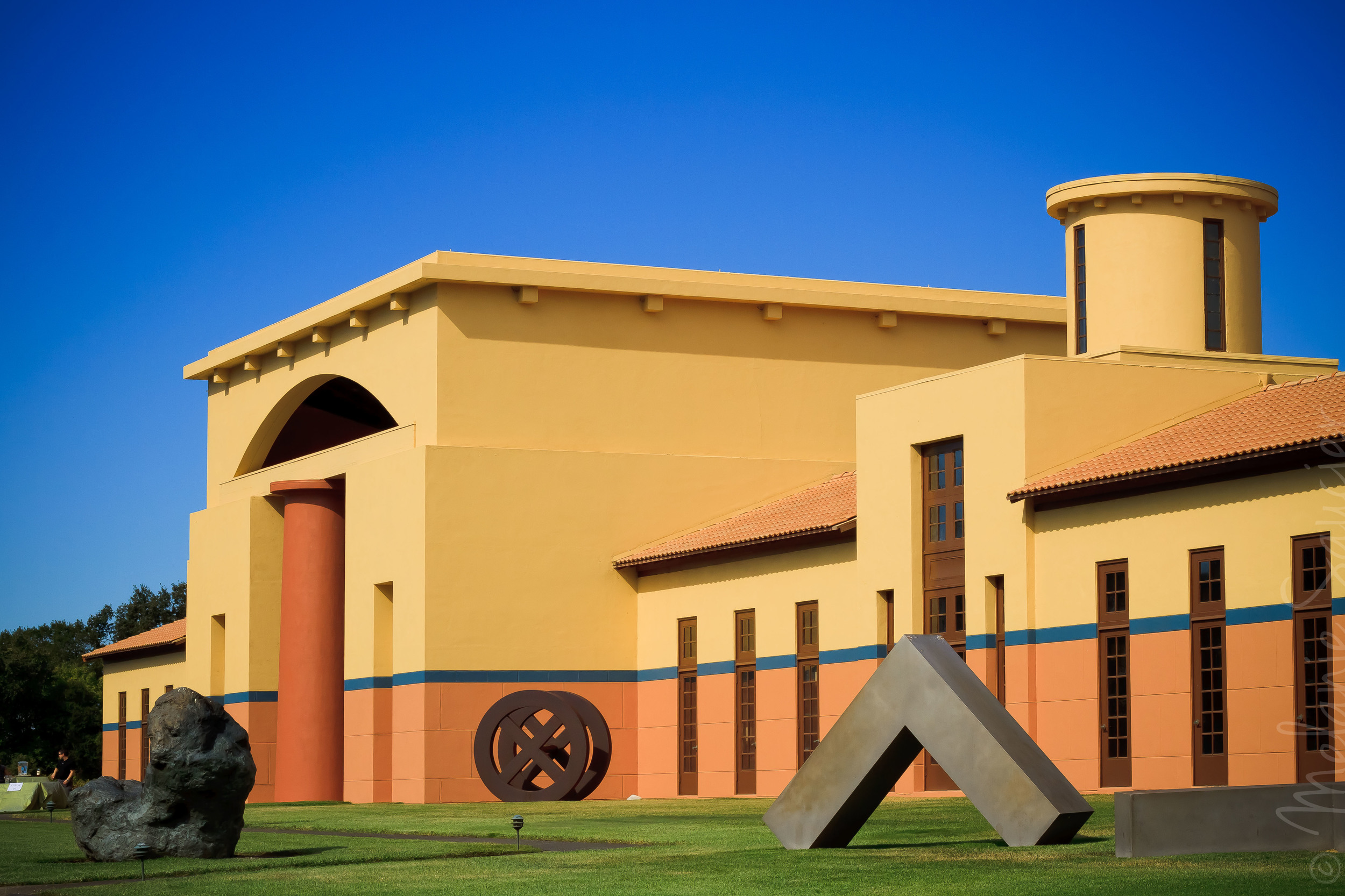 Winery Clos Pegase California Napa (4)