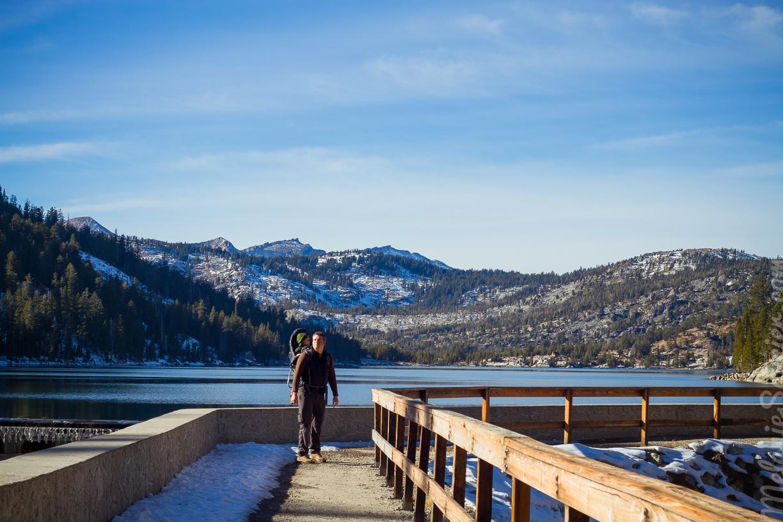 Trailhead of Lower Echo Lake— Entrée du sentier duLower Echo Lake