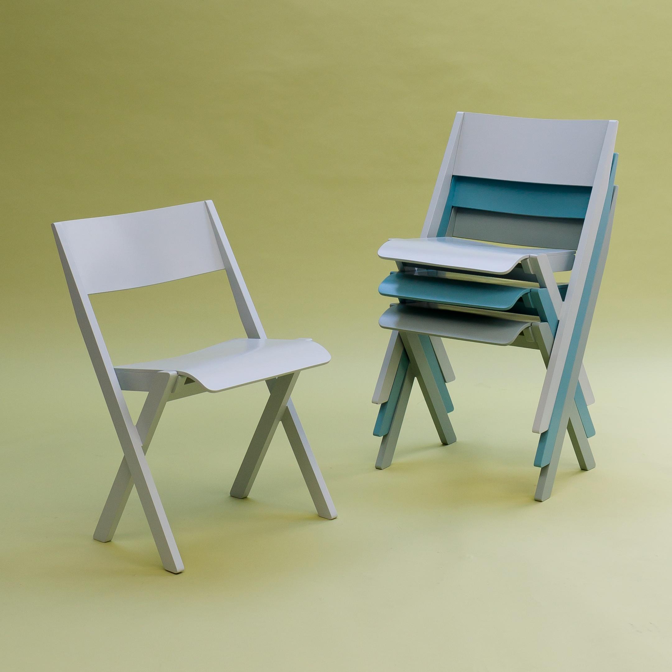 Fogo_chair_&_stack.jpg