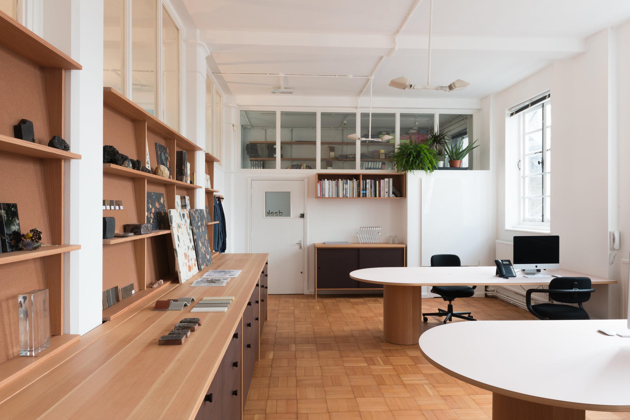 Dzek Office photo-4778.jpg