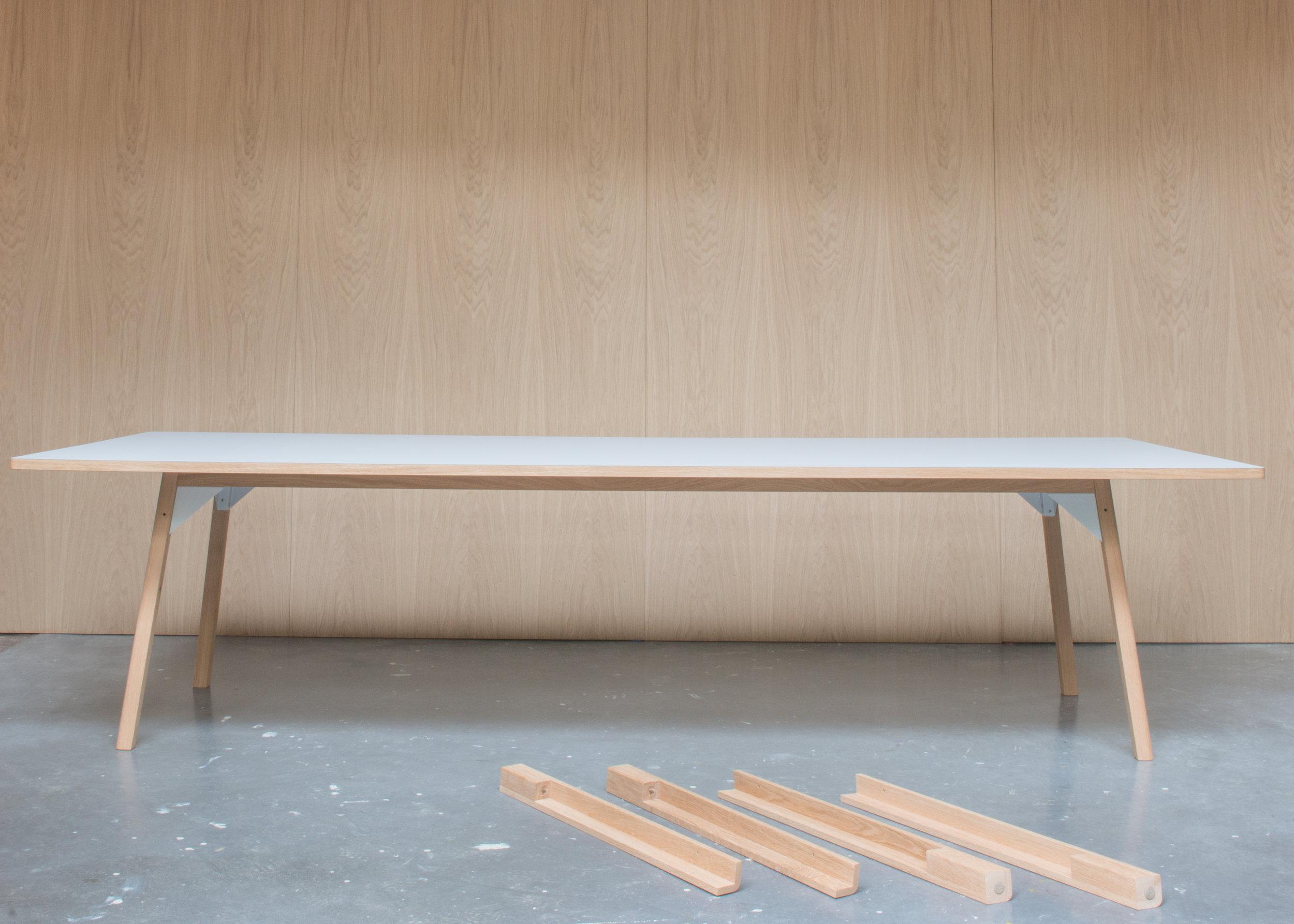 180424 Royal Holloway table-4511.jpg