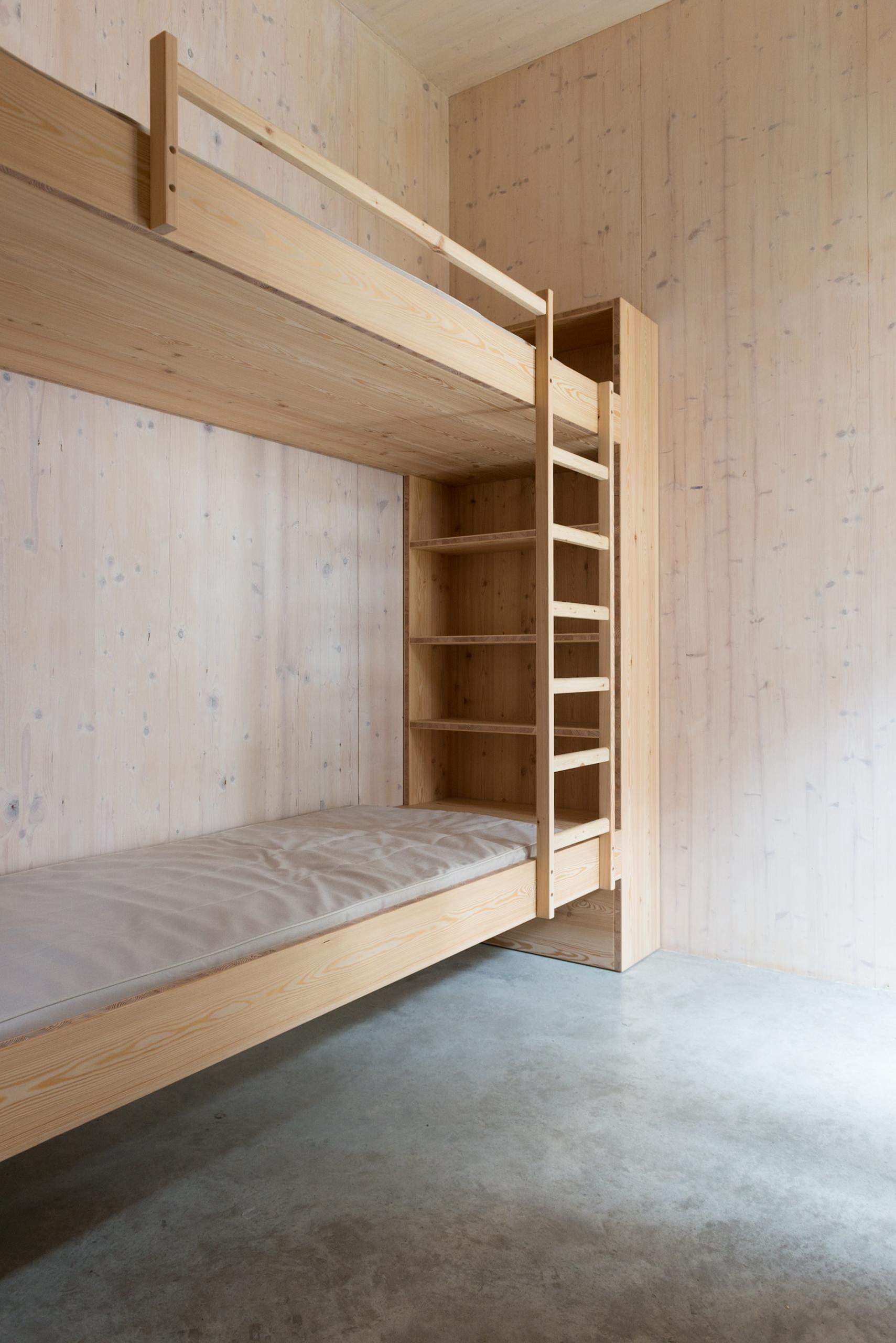 230 HS bed-4395.jpg