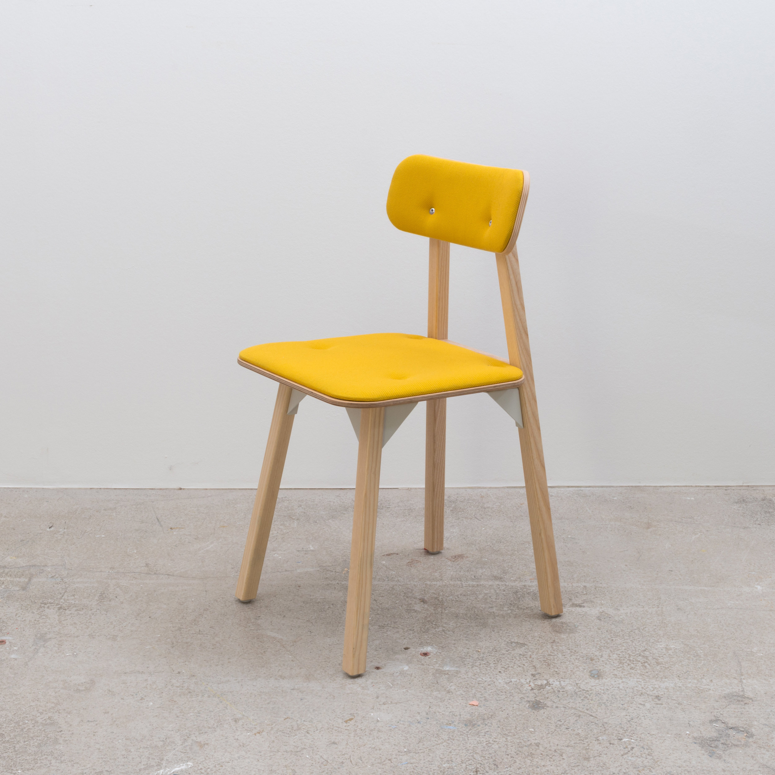 Bracket chair - Yellow Seat & Back Pad