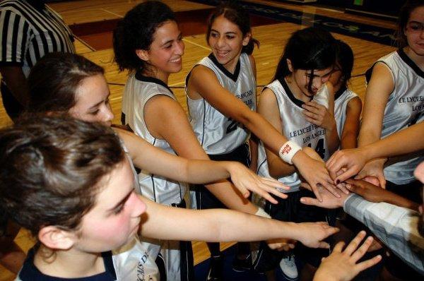 Lycée Lions Girls' Basketball Team, Senior Season 09-10