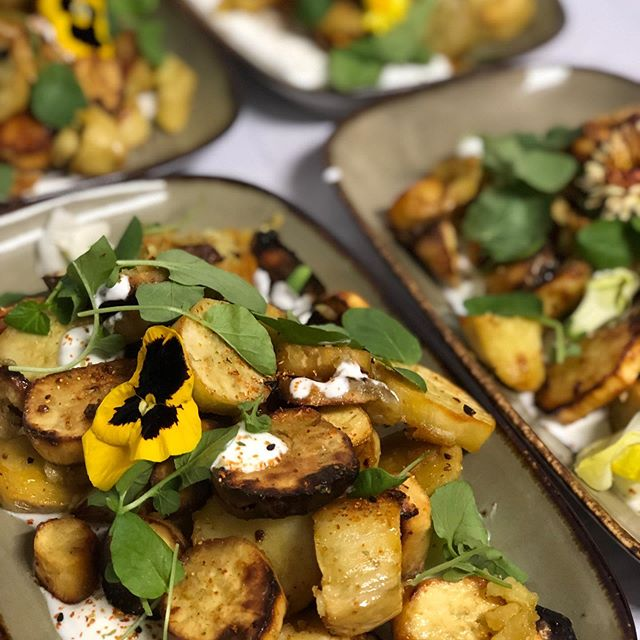 Roasted Okinawa potatoes with lime scallion yogurt and honey 🍯 . . . #food #potato #dinners #parties #events #weddings #losangeles #eeeeeats #yummy #okinawapotato #catering #cateringlife #vegetarian #sides #thursday