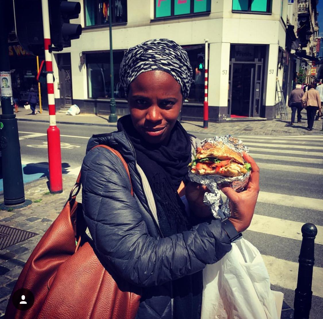 La Bouffe dans la rue - Le meilleur moyen de découvrir de bonnes adresses de street food, c'est de demander aux passants !