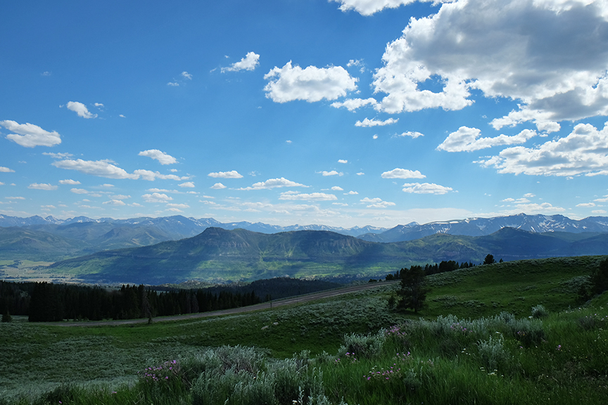 looking west over Yellowstone