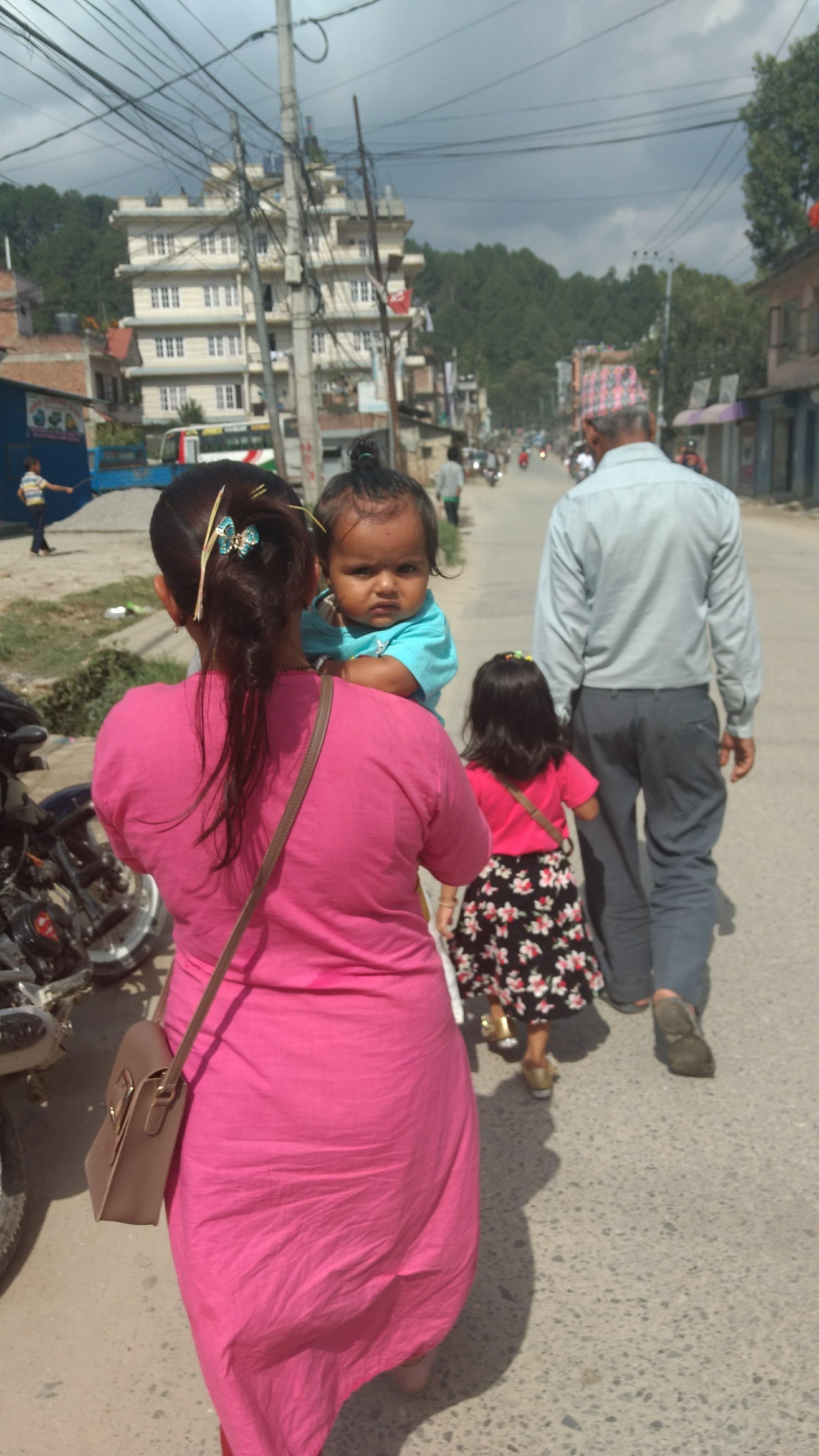 Stink eye on the road to Sundarijal