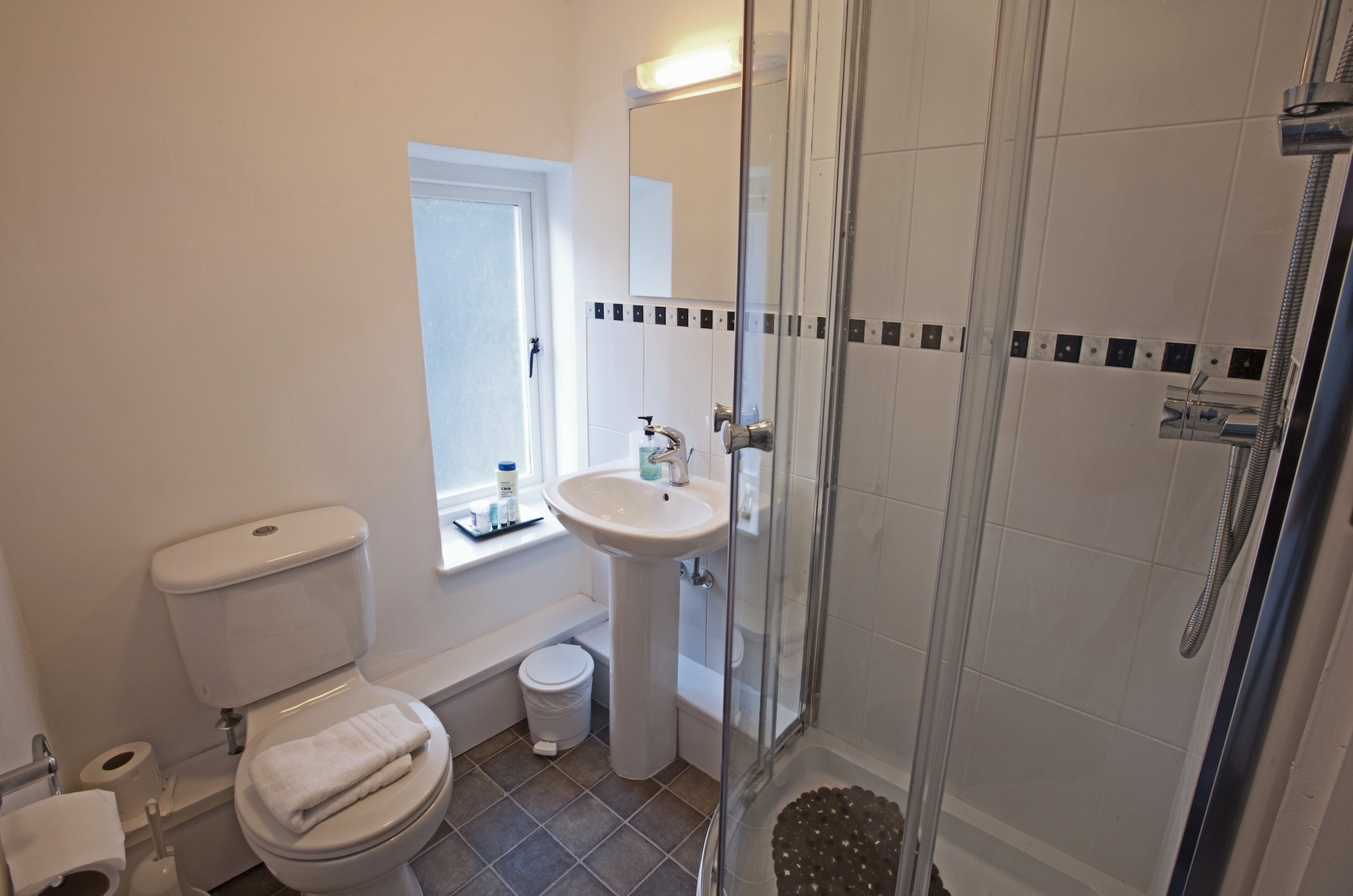 Bathroom to Small Double Room 4